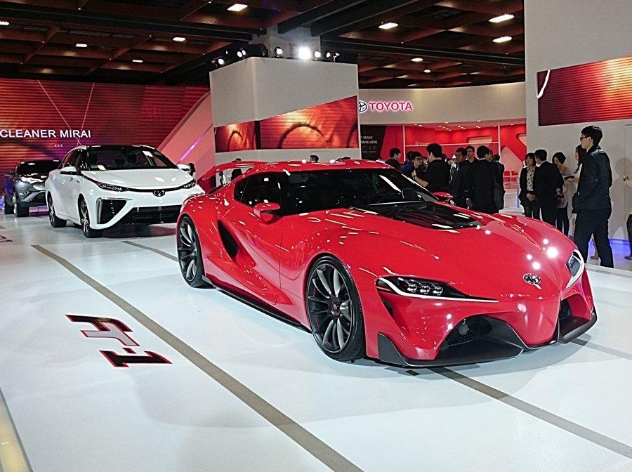 下一代Supra後繼車的概念車FT-1,解說新世代跑車的動能新科技。 記者趙惠群...