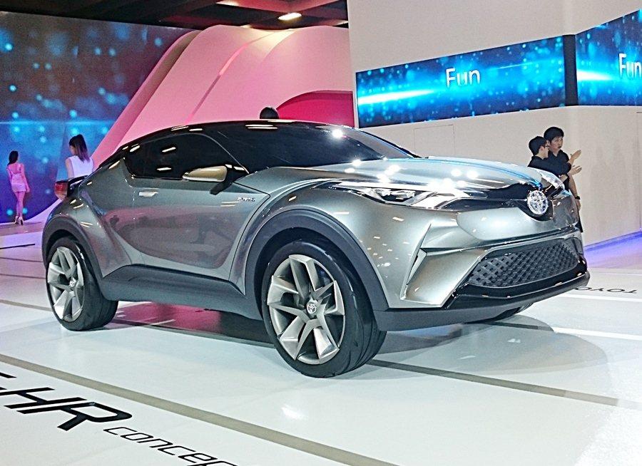 未來小型SUV跨界休旅CH-R,預告了Y世代的用車思維。 記者趙惠群/攝影