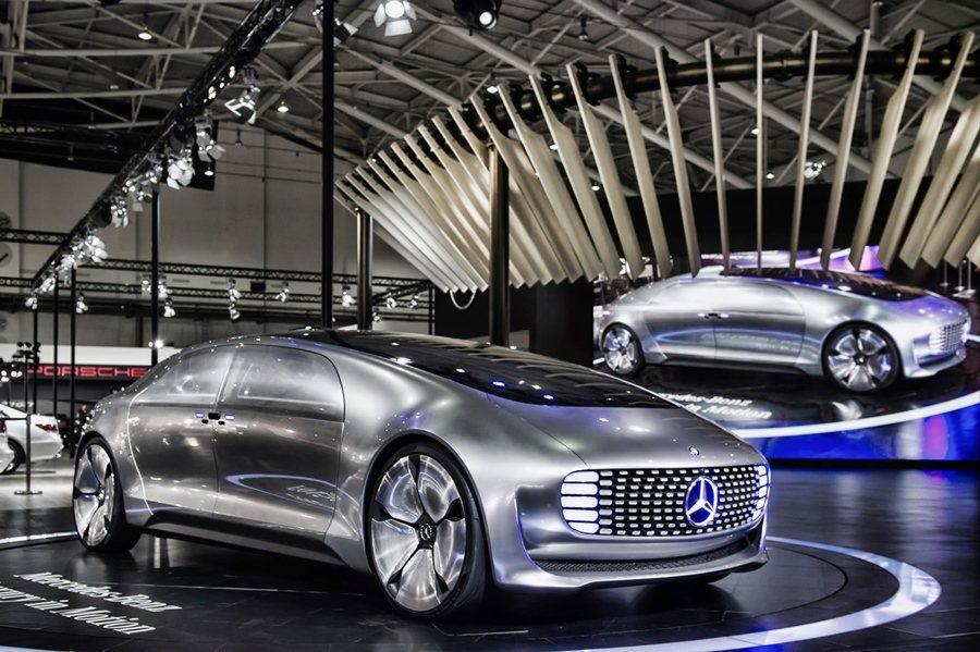 Mercedes-Benz F 015結合了自動駕駛、安全防護、潔淨能源等尖端技...