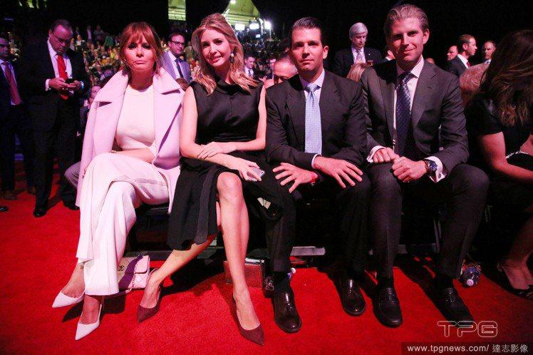 川普現任太太Melania Trump,和前妻生的女兒Ivanka Trump、...