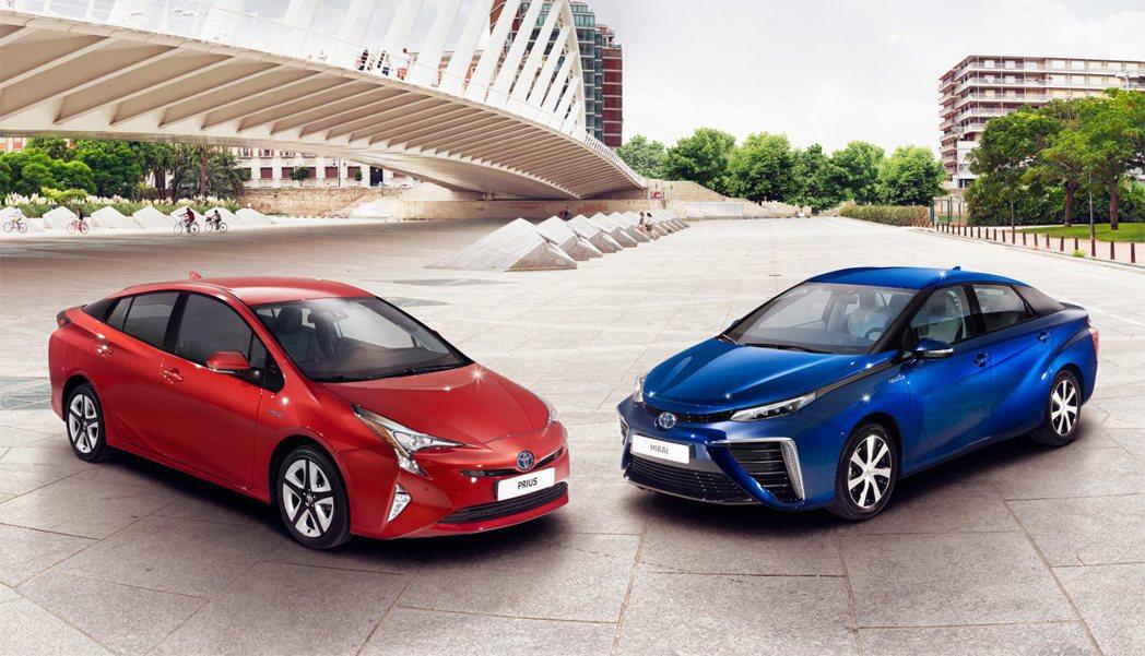 新一代的Prius除了外型與MIRAI相似,同樣擁有大膽前衛造型。