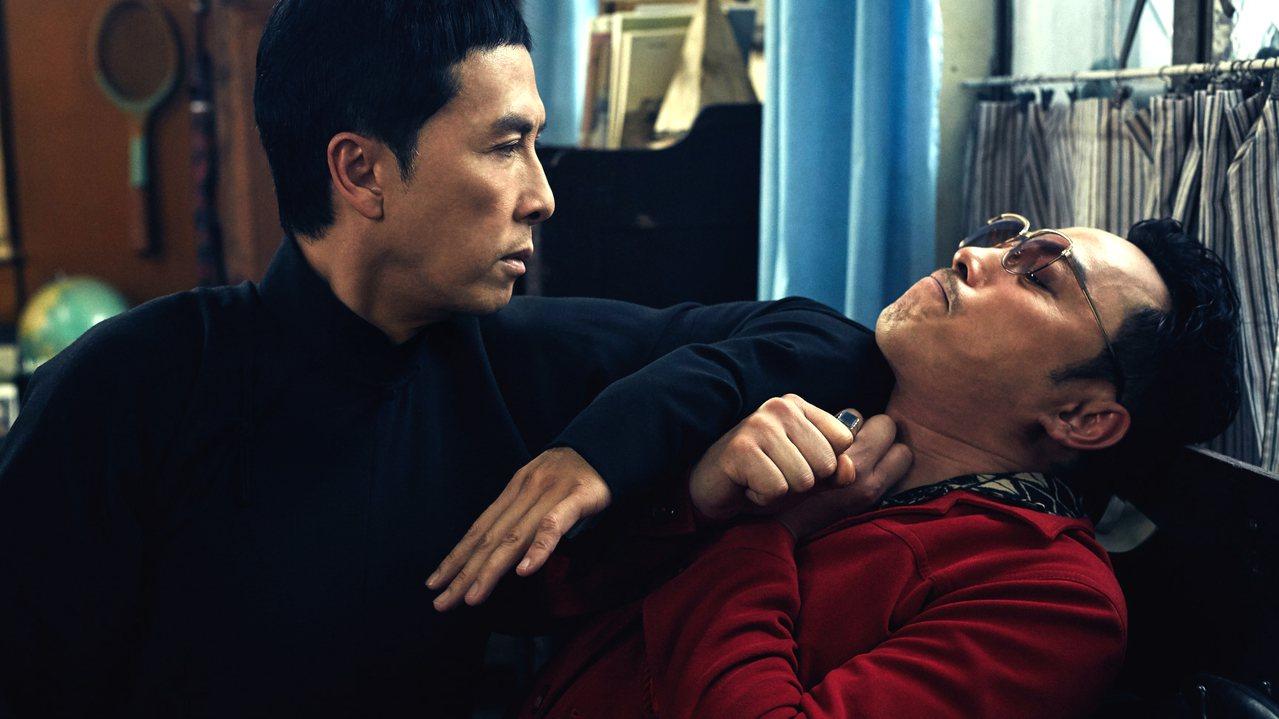 有舊香港情懷的「葉問3」31日粗估票房迅飆至4700萬,躍上十大第7名。圖/華映...