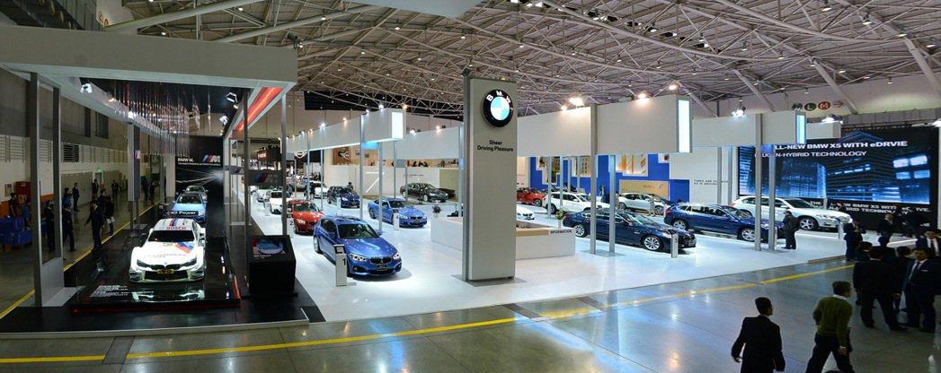 今年車展成功帶動年底車市買氣,守住42萬輛市場規模。 圖/汎德提供
