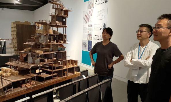 建築系的老師、學生,還有費盡心力做出的模型/聯合報系資料照。