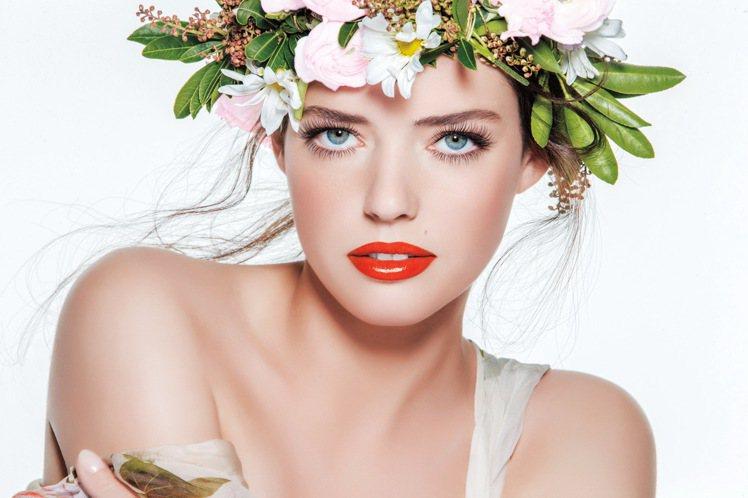 laura mercier蘿拉豐潤漾唇膏的革命性水潤光感質地,讓雙唇展現閃耀絲緞...