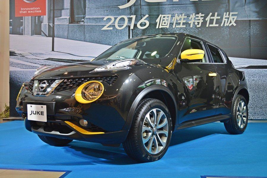 Juke個性版疾勁黑車色混搭黃色外觀與內裝仕樣。