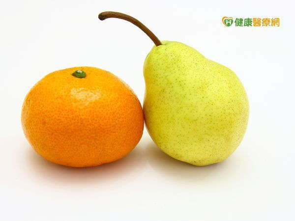 水梨橘子加熱,有助舒緩咳嗽問題。
