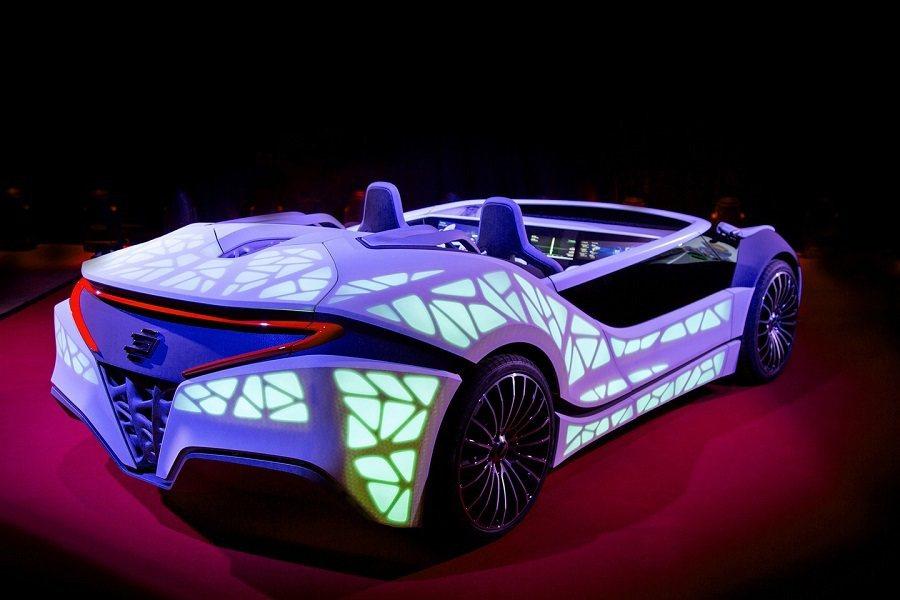 近年來被稱做第四個C的汽車(car)也逐漸在CES會場中嶄露頭角。 取自worldcarfans.com