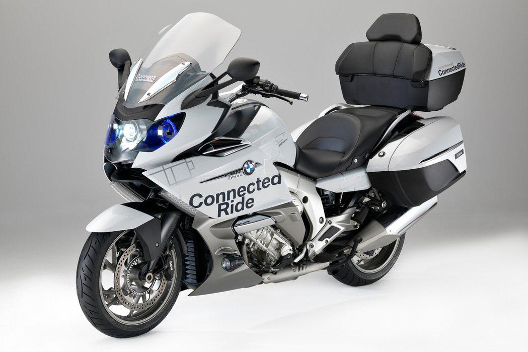 CES電子展上BMW將雷射頭燈安裝於自家K1600 GTL概念摩托車上,增加行車安全。 摘自BMW.com