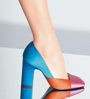 愛馬仕2015秋冬女鞋有色塊拼接的表現,價格店洽。 圖/愛馬仕提供