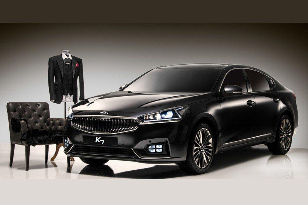 近日KIA原廠再度公布Cadenza的相關照片,而在韓國當地則稱之為K7。 摘自KIA.com