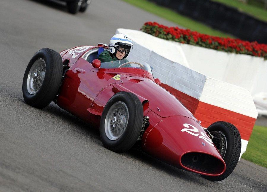 Maria離開賽道後仍活躍於賽車運動領域。 摘自taringa.net