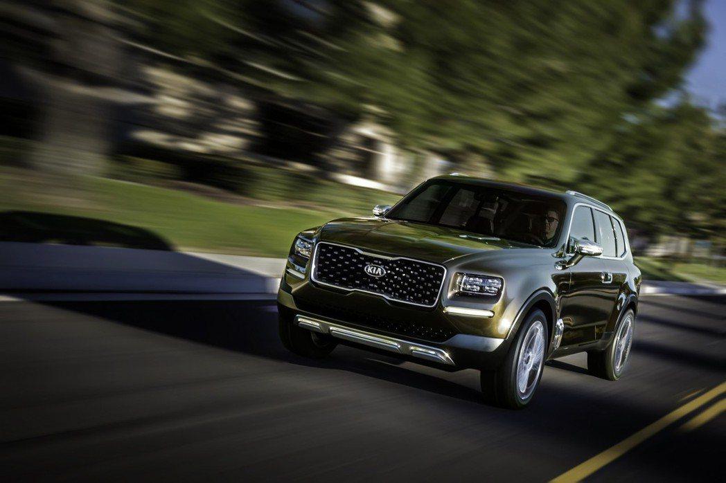 Telluride概念車預計搭載3.5升V6自然進氣汽油引擎搭配電動馬達,綜效馬力高達400hp。 摘自KIA.com