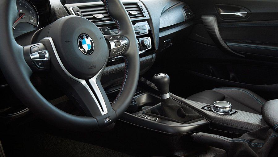 全新2016年式 BMW M2 Coupe雙門轎跑車內裝。 BMWW提供