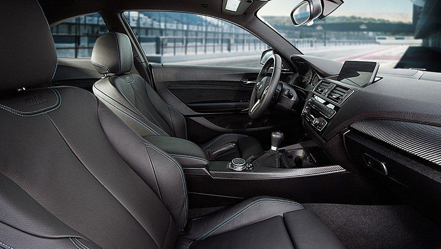 全新2016年式 BMW M2 Coupe雙門轎跑車內裝座椅。 BMWW提供