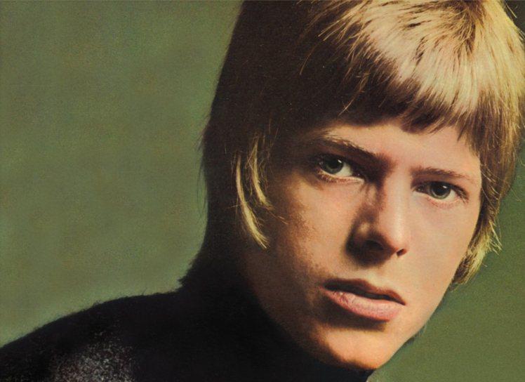 1967年推出第一張同名專輯《David Bowie》,大衛鮑伊還是個看起來乖乖...