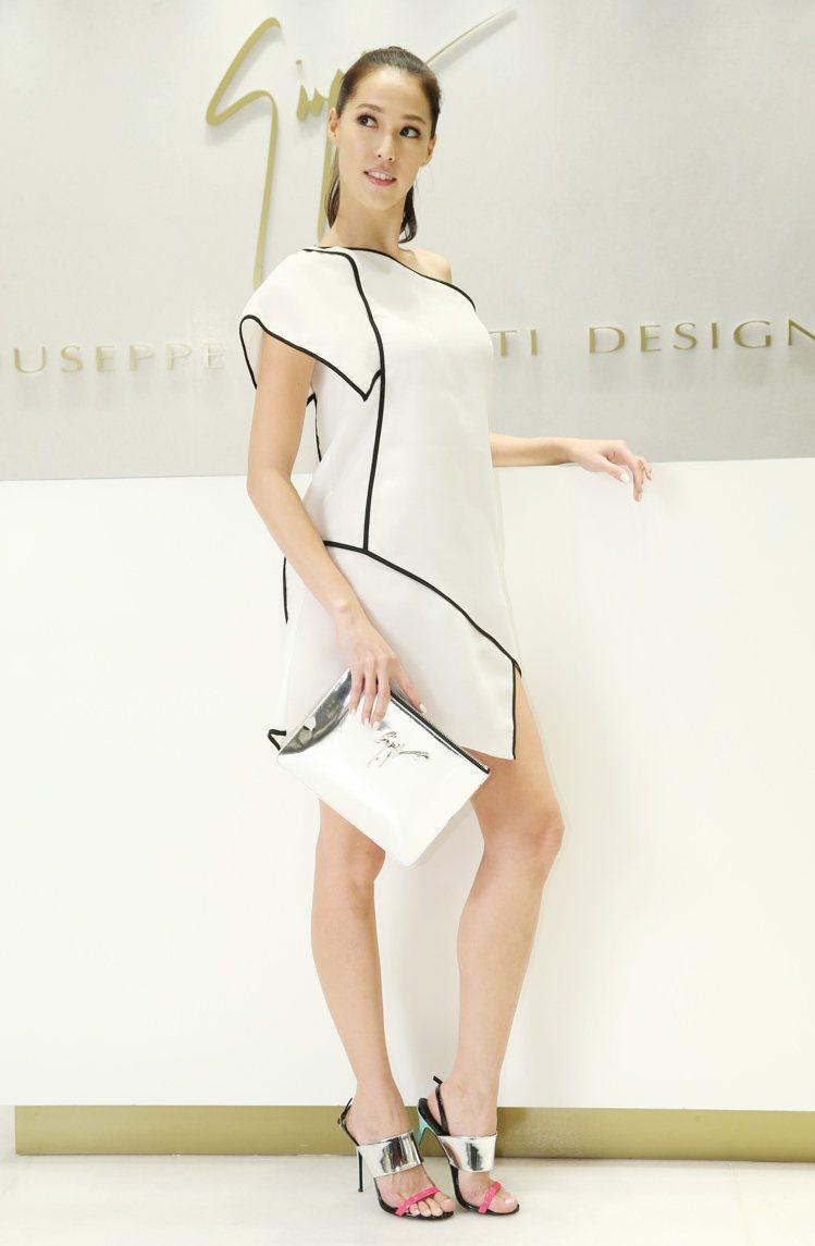 性感高跟涼鞋的靈感來自2樓私隱夜店, Giuseppe Zanotti Desi...