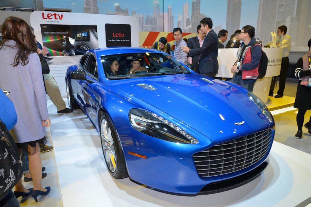 英國跑車大廠Aston Martin與中國最大影音平台Letv共同合作開發首部概念車─Rapide S Concept。 摘自Aston Martin.com