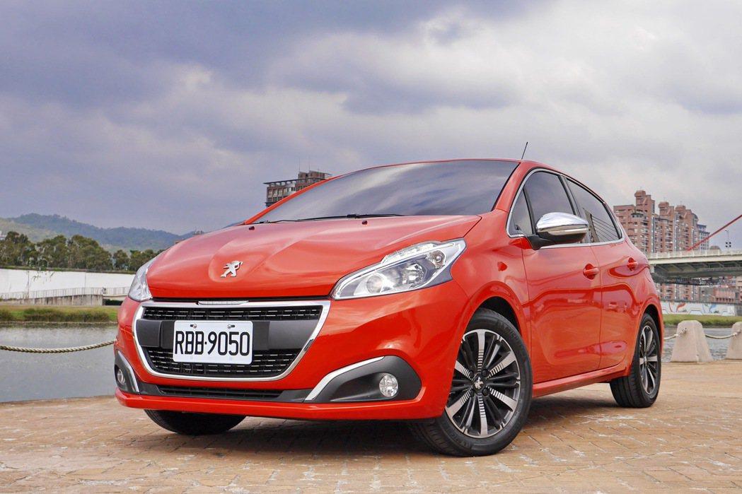 Peugeot 208 1.2 PureTech。 記者陳威任/攝影