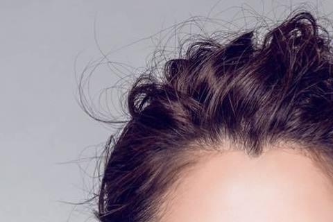 最近在大陸的藝人黃安搶當「台獨獵人」,日前還舉報周子瑜與NONO,13日晚間周子瑜更被經紀公司勒令取消她在大陸的所有活動;今(14日)大陸網友將矛頭指向徐若瑄,直指她在2010年東京影展上,因遭受中...