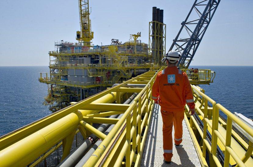 圖為示意圖,丹麥馬士基石油天然氣公司(Maersk)在北海的油田,非美國頁岩油。...