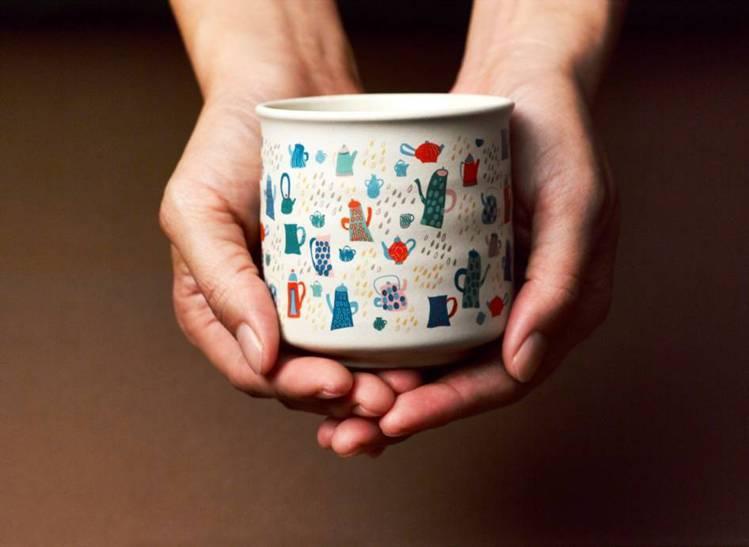 「喜飾」同心杯系列由左而右意涵: 「好啾」相聚喜飾、好花」珍藏喜飾、「好壺」祝福...