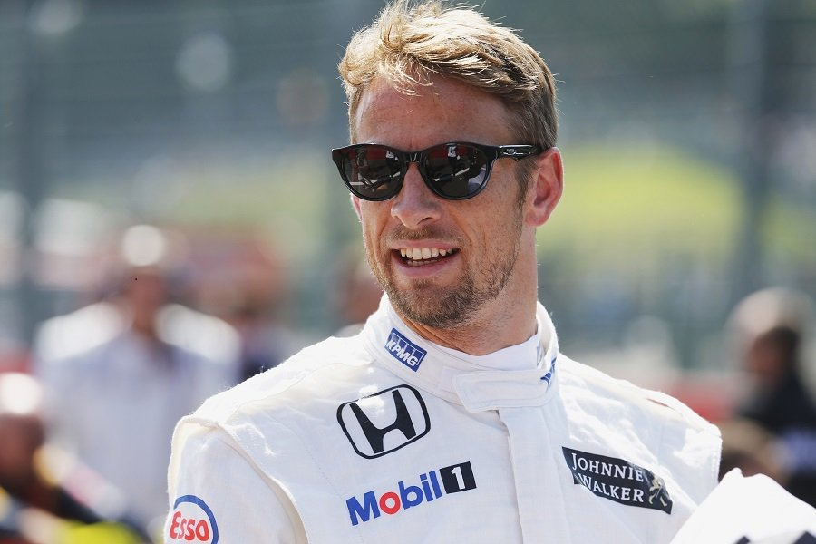 Jenson Button的粉絲們可別忘了趕快上Twitter選擇你喜歡的頭盔喔! 摘自paddockeye.ie