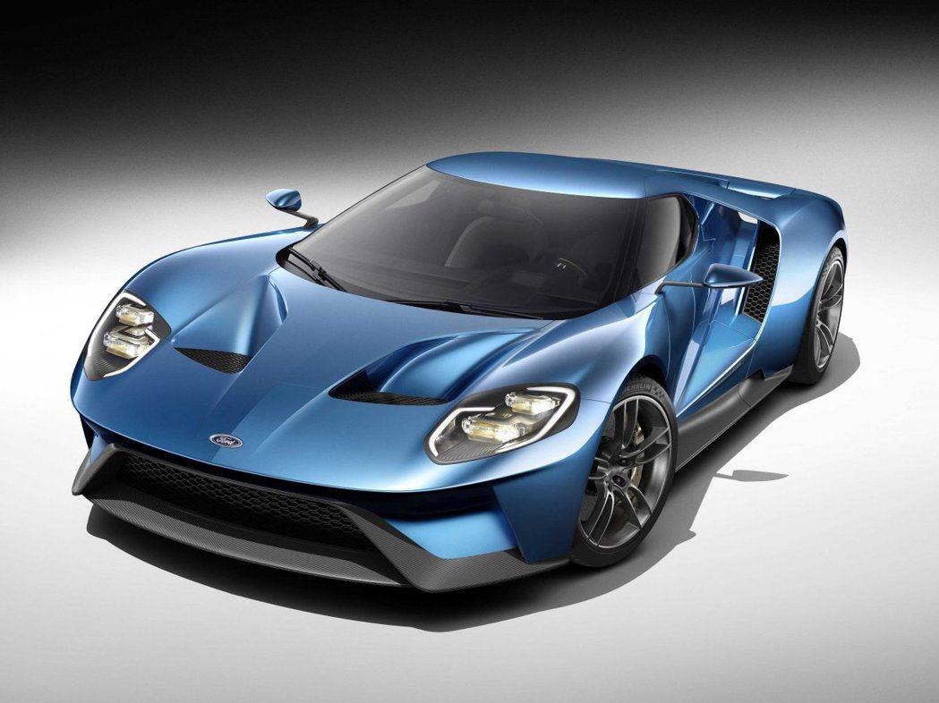 Ford GT使用全碳纖維車身鈑件包覆。 圖/Ford提供