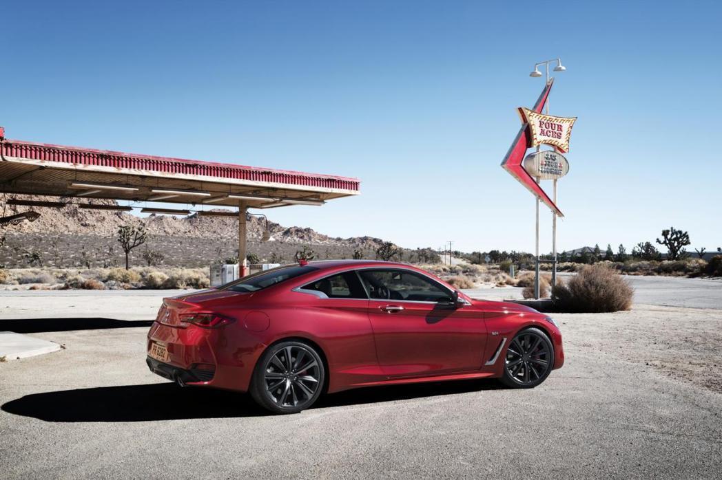 3.0升V6雙渦輪增壓引擎,入門版可輸出300hp/6400rpm的最大馬力。 摘自Infiniti.com