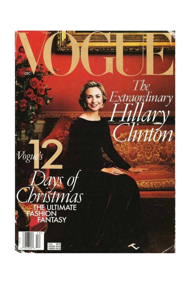 希拉蕊擅用時尚力量,以登上Vogue封面助柯林頓躲過政治危機。圖/Vogue封面