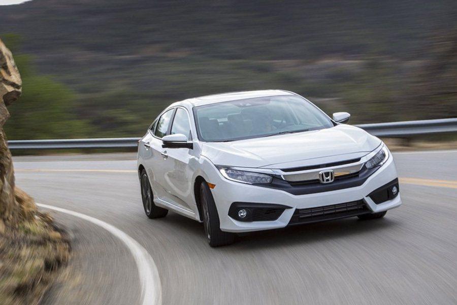 全新底盤平台搭載了新前後懸吊設定、可變齒輪比轉向系統、更結實的前後防傾桿、標配4輪碟煞系統、以及煞車控制扭力轉換系統。車身整體鋼性更提升了25%。 Honda提供