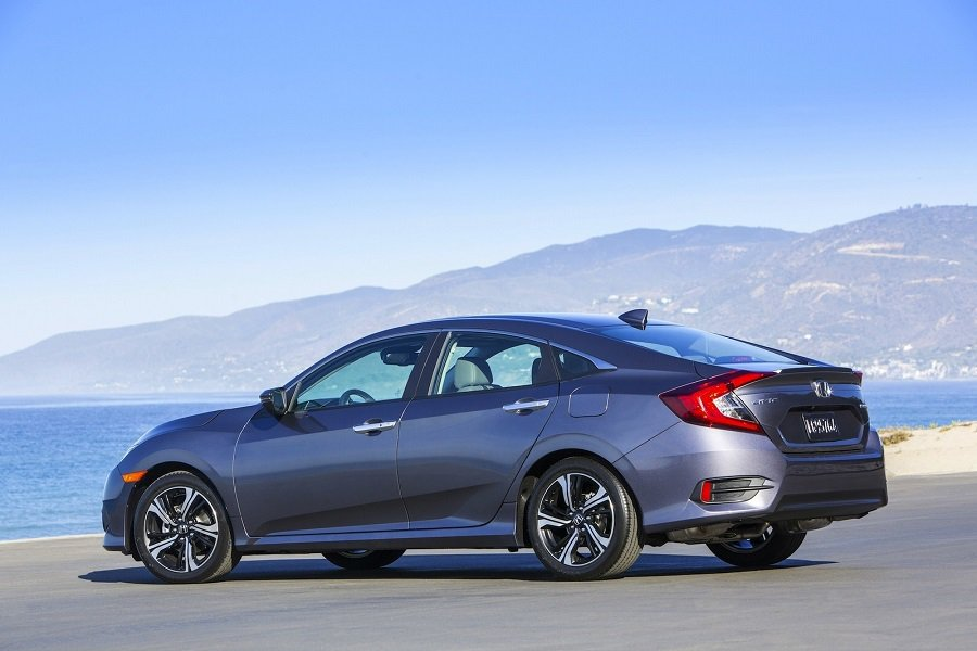 繼獲頒2016年北美年度風雲車後,Civic又獲得美國IIHS的Top Safety Pick+認可。 摘自carscoops.com