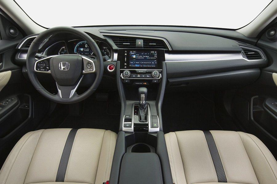 新世代的Honda Civic在美國有四種車型,包括第一次在美國上市的Type-R款。 摘自carscoops.com