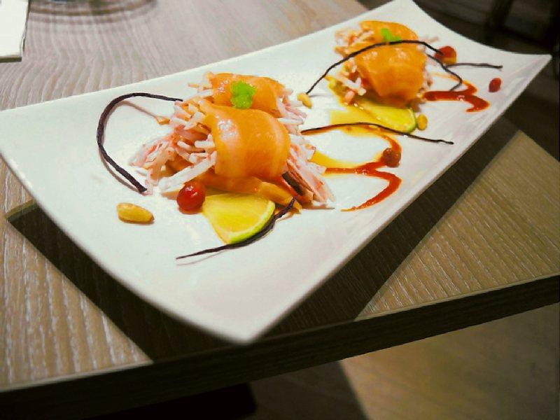 CA rolls'美日式料理。 圖/阿君君