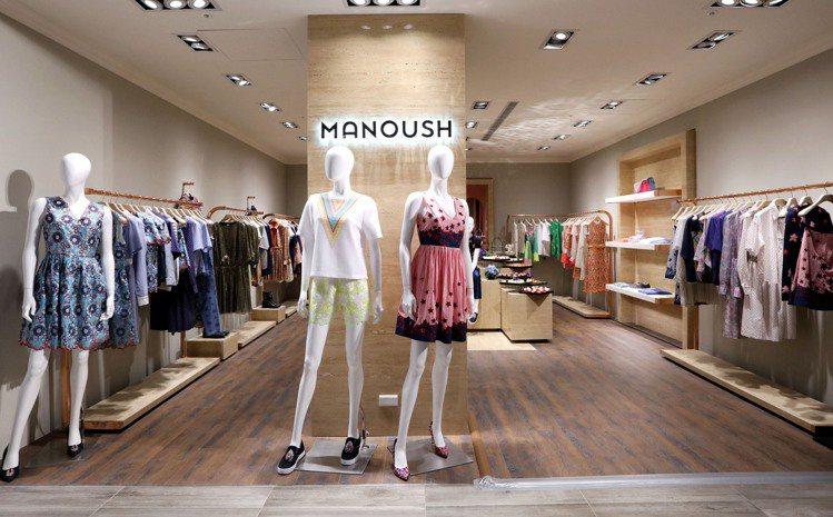 整體空間浪漫中帶著優雅氛圍,讓消費者親臨感受甜美又知性的法式時尚氛圍。圖/MAN...