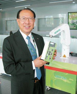 大銀微董事長卓永財