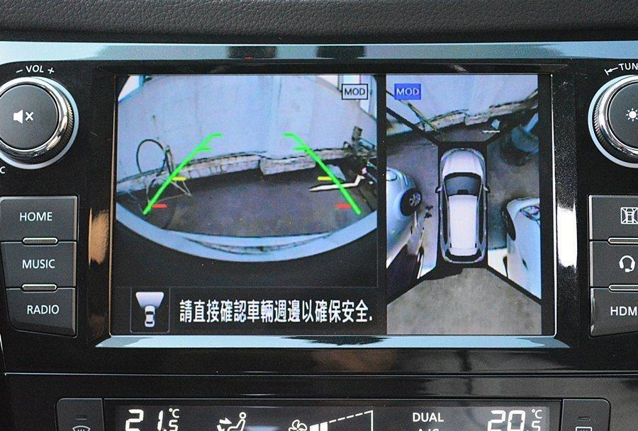 中控螢幕的 AMV 360度環景影像輔助的便利性讓Annie讚不絕口。 Arthur Wang/攝影