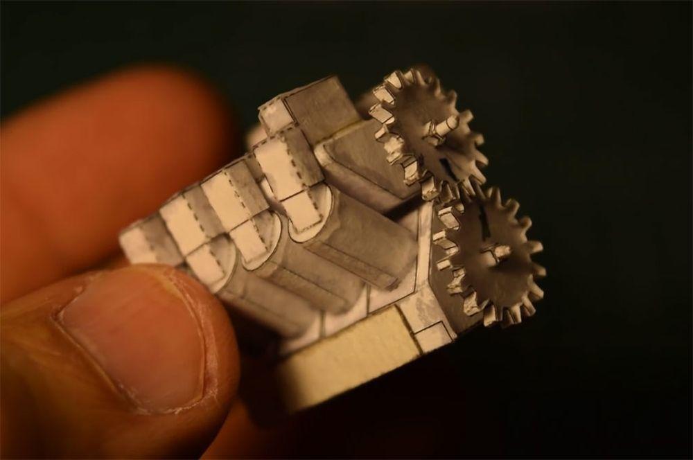 紙做的V8引擎。 摘自automobilemag