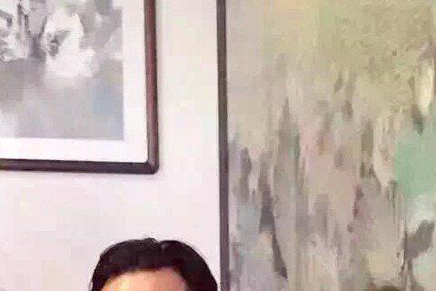 大陸微博25日瘋傳一張吳彥祖攜愛女Raven現身拉斯維加斯一家餐廳的照片。Raven萌照可愛極了,有網友說與諾一正好是夫妻臉。諾一是大陸男演員劉燁的兒子。不少大陸媒體微博25日瘋傳吳彥祖帶女兒現身的...