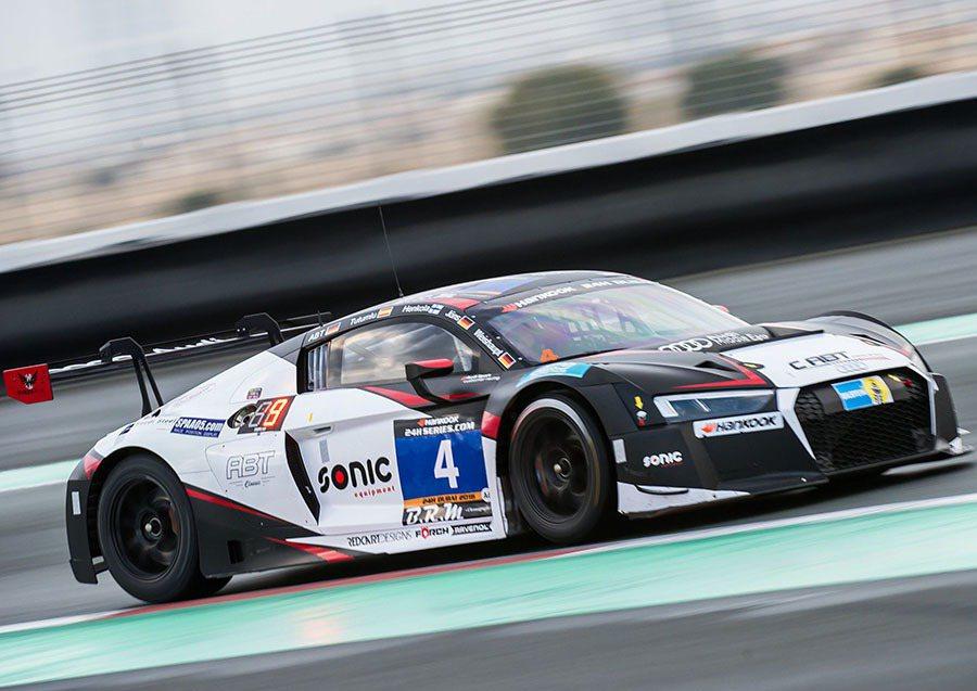 全新Audi R8 LMS賽車由R8市售量產版本直接衍生而來,超過50%零件與道...