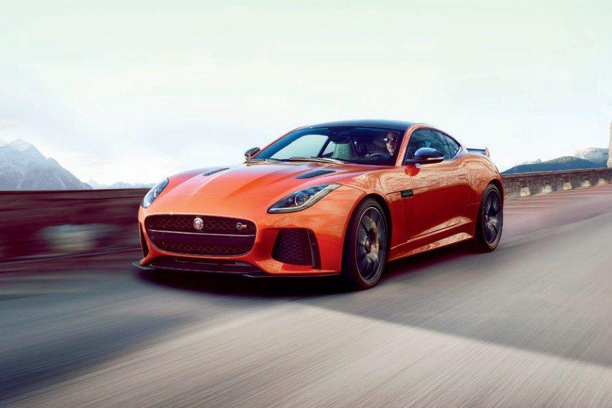 被外界喻為Jaguar品牌旗下的終極跑車F-Type SVR,外觀方面換上更具動感的套件設計。 摘自Jaguar.com
