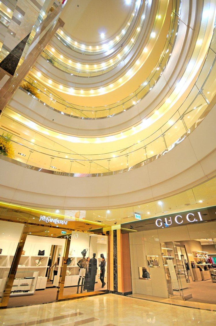 義大世界購物廣場 吃喝玩樂一站到位。圖/義大OUTLET提供