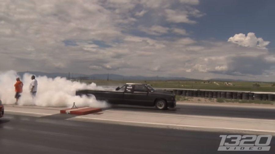 這輛Chevrolet S10可產生1500-1600hp的馬力,並有著1/4哩加速僅9.3秒的驚人成績! 截自1320video影片