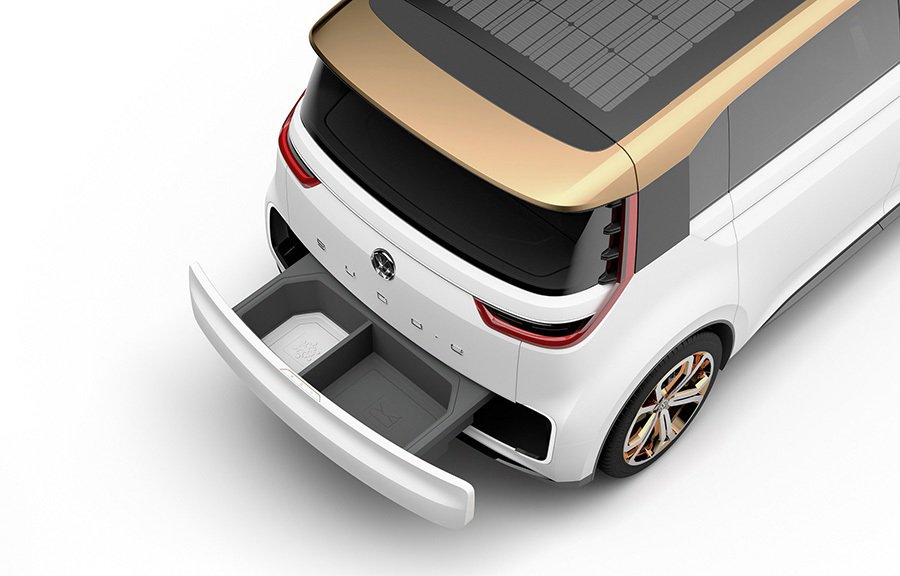 可透過NFC認證辨識來開啟車尾置物箱,方便接收寄件物品。 Volkswagen提供