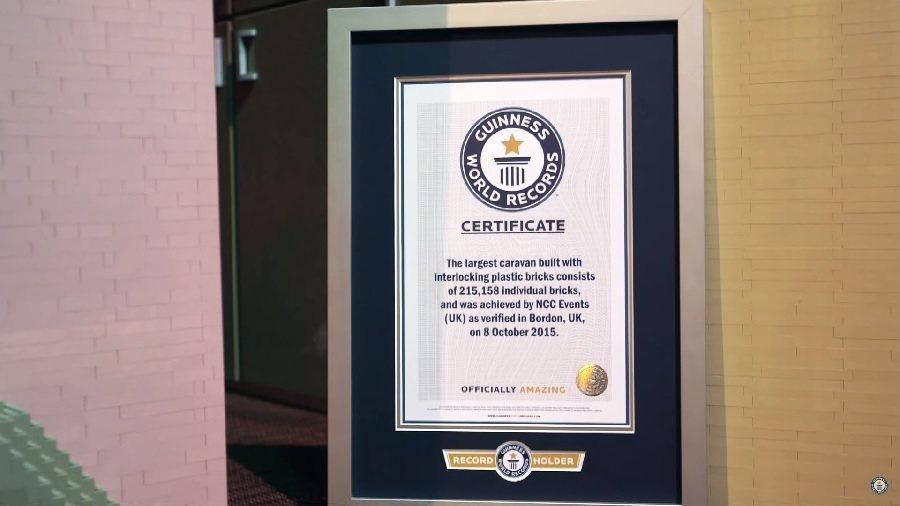 這輛一應俱全的積木露營車為世上絕無僅有,因此也毫無疑問地通過金氏世界紀錄的申請。 截自Guinness World Records影片