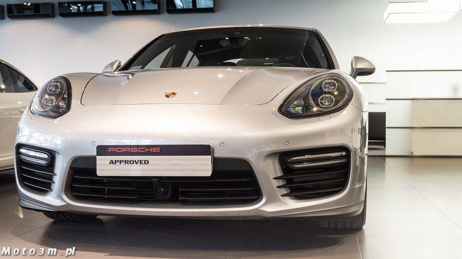 這輛Panamera GTS 已行駛22,000公里,正在波蘭當地的Porsche待售。 摘自moto3m.pl
