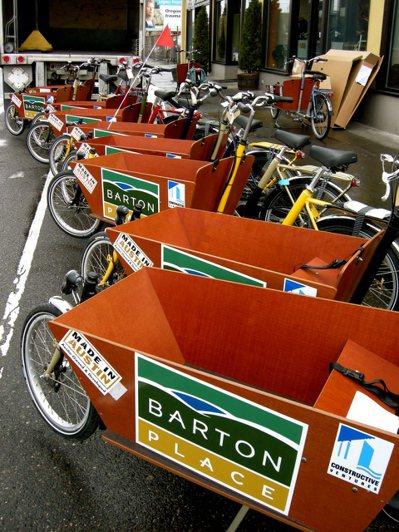 荷式貨運腳踏車:載小孩、買菜、搬佔屋限定家俱組,樣樣皆行。 photo cred...