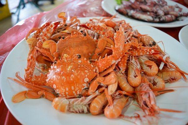 南方澳南寧魚市場新鮮海產 聯合報