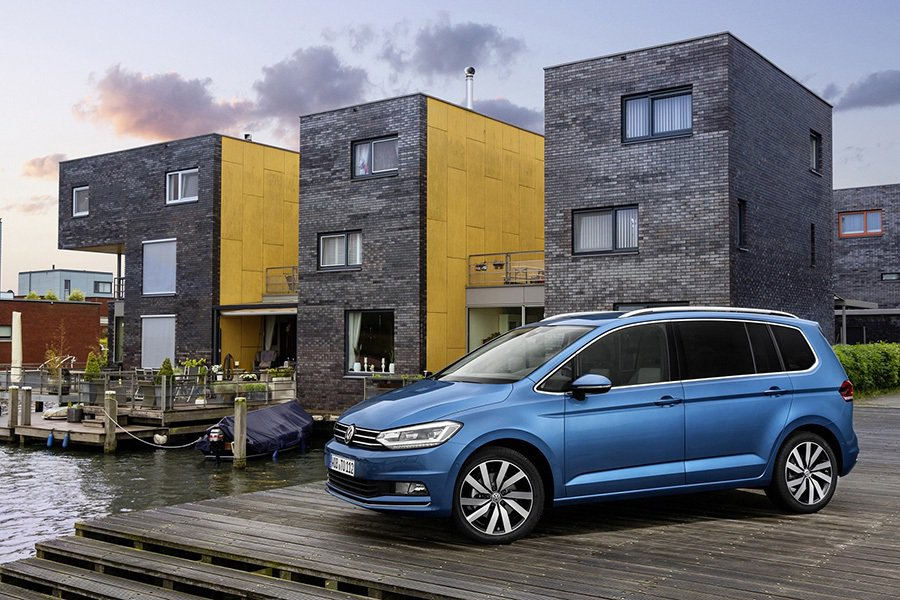 The new Touran 銷售傳捷報,汽、柴油動力均符合EU6歐盟六期環保法規,再獲安全與媒體肯定。 Volkswagen提供
