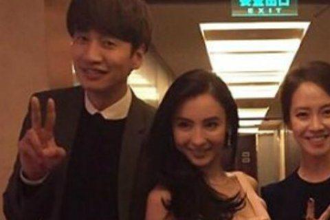 8日,《Running Man》成員Gary在微博上傳了與香港女星張柏芝以及跑男成員李光洙、宋智孝的合影。儘管光線昏暗,但這一「大陸女神&韓流明星」的組合足夠話題性,也足夠搶眼!李光洙不愧是...